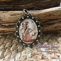 Aiming for love II - Fancy Pendant Necklace